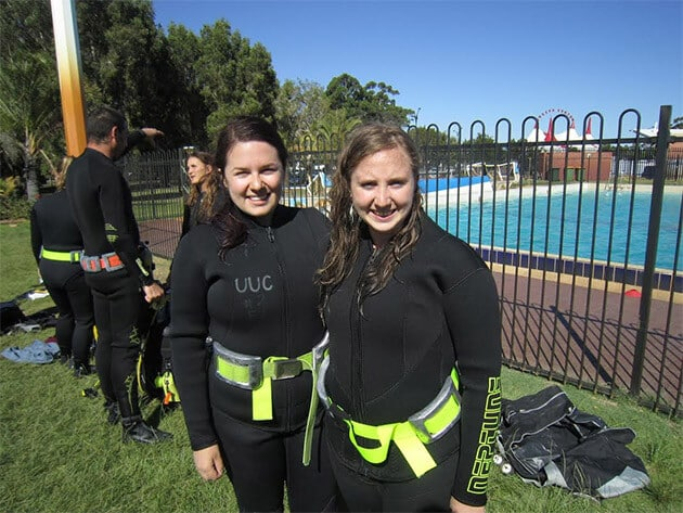 Becky and her friends getting their scuba diving certification at the University of Western Australia's Underwater Club