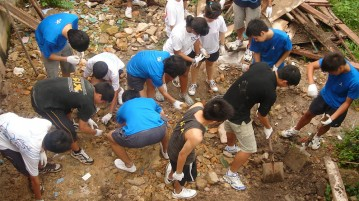 What is Service Learning? Why is it an Important Part of Your Education? | Study and Go Abroad
