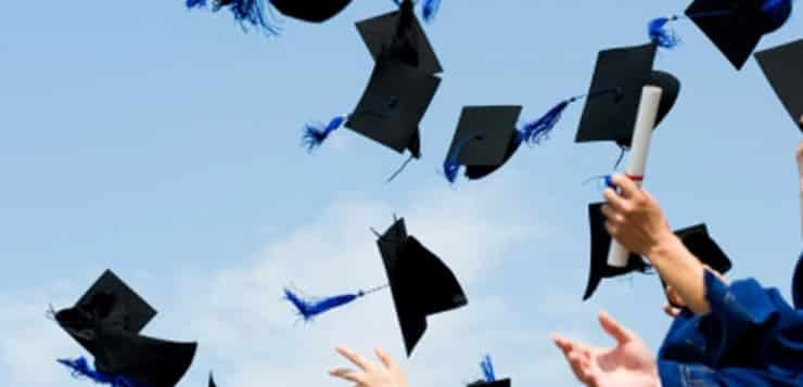 10 Things to Do Before You Graduate | Study and Go Abroad 1