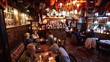 British Pub Etiquette and Top Historic Pubs to Visit
